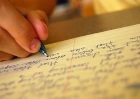 menulis-esai
