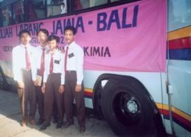 Bersama kawan-kawan semasa SMAKBo, saat Study Tour, tahun 1992